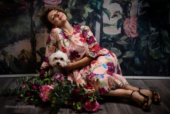 Luftiges Blumenkleid, Foto: Erhard Gottschling